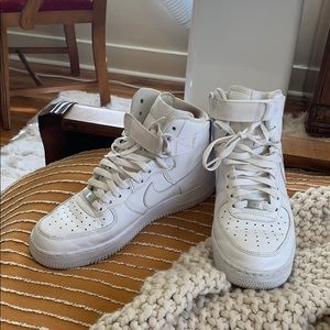 Nike Air Force 1s high top